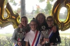Clubkampioenen Juul Michels, Monique van Dijck, Daniek Vissers en Esmee van der Sterren