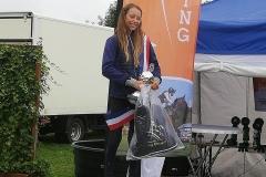 Limburgs kampioen outdoor 2019 eventing Katelijne Philipsen met Jumping Jewel in de klasse CL