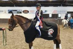 Limburgs kampioen Liz van Dijck met Hazelberg's Julian in de klasse CB dressuur